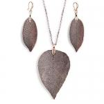 Idomeo Leaf Pendant Necklace & Drop Earrings Set