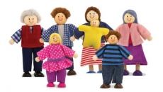 Melissa & Doug 7-Piece Poseable Wooden Doll Family for Dollhouse