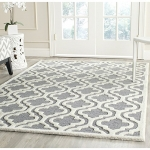 Safavieh Cambridge Collection Handmade Silver and Ivory Wool Area Rug, 5 feet by 8 feet (5′ x 8′)